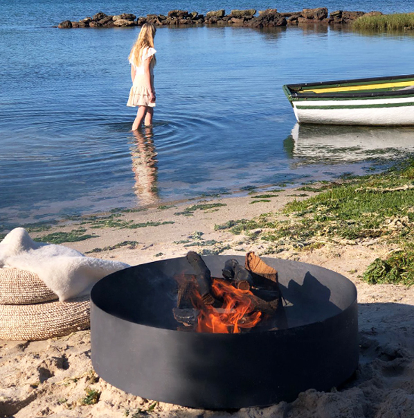 Fire pit in Churchhaven - image by Henrique Wilding
